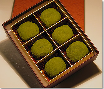 Chocolate daifuku